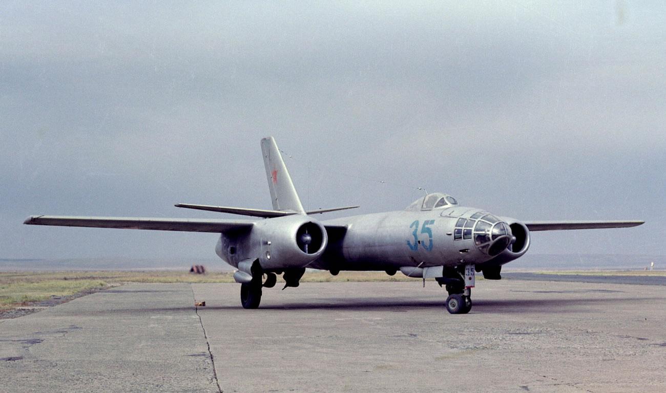 Il-28_01