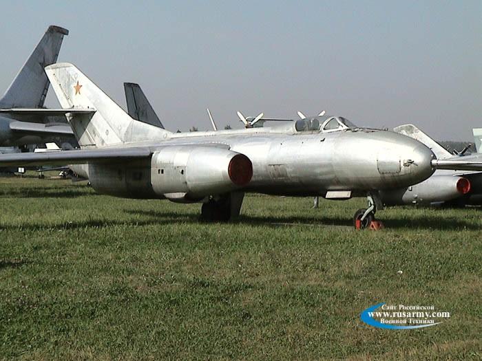 yak-25rv 002