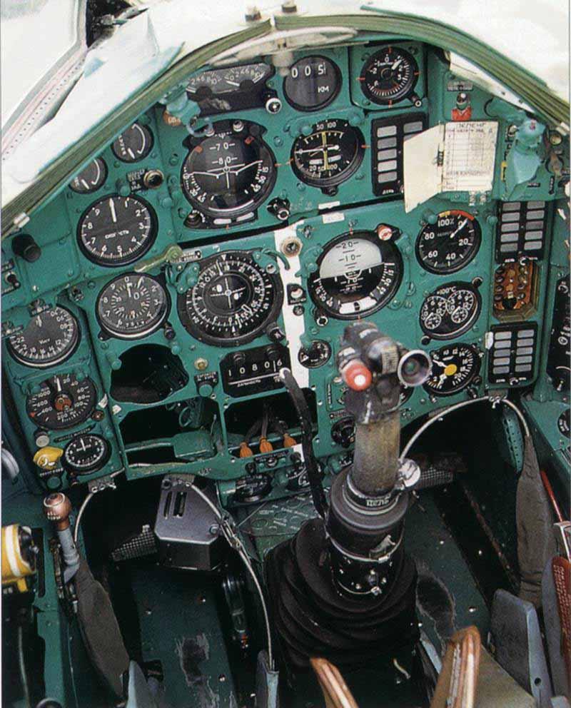 mig25p_cockpit