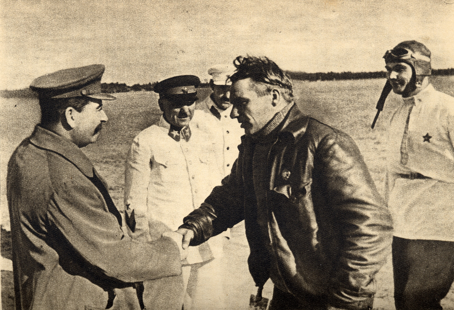 Chkalov,_Stalin_and_Belyakov._August_10,_1936