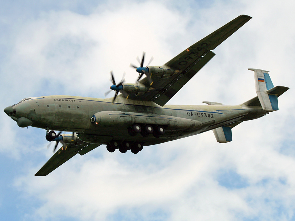 03_Antonov_An-22_Antei_2007