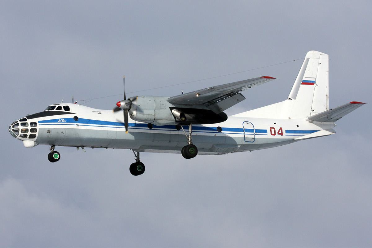 03_Antonov_An-30B_2008