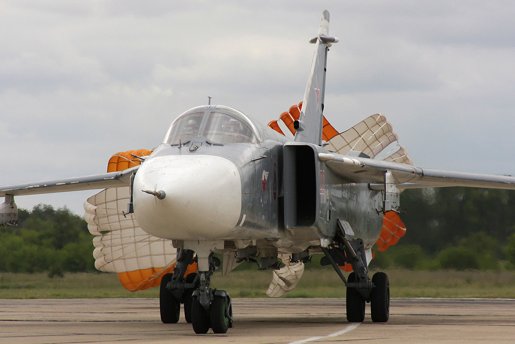 Su-24M2_01