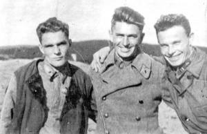 Боевые друзья: Кутахов, Лаврушин, Бочков.  145-й ИАП, весна 1942 года