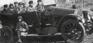 Летчики и мотористы 1-й воздушной истребительной эскадрильи, Петроград, 1921 г.